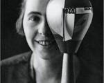 Sophie Taeuber-Arp portrait dada.jpg