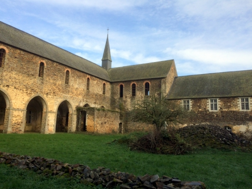 1-16-01-23 Abbaye de Clermont (44).JPG