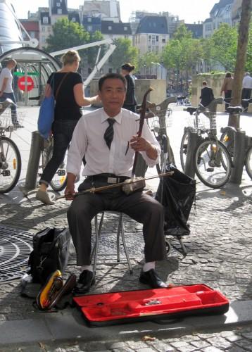 11-09-15 Un musicien chinois à Paris.jpg
